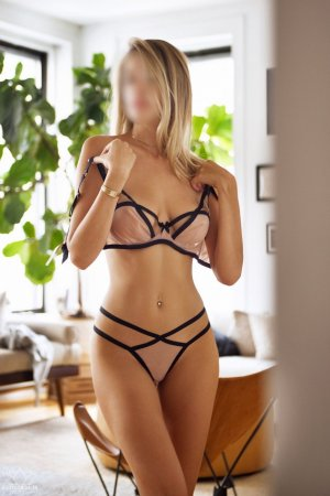 Miriam happy ending massage & escort girl