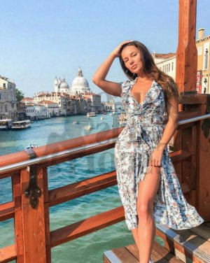 Maria-amélia happy ending massage and live escort