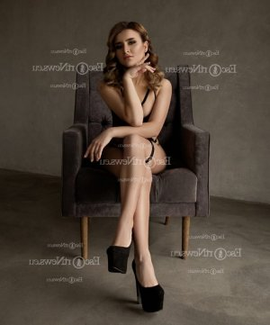 Salouha happy ending massage and live escort