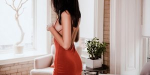 Oviya nuru massage in Kaneohe, escort
